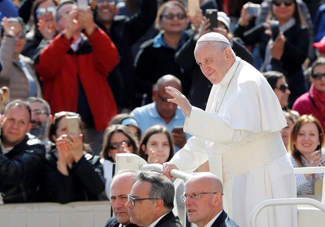 Papa Francesco aborto: mai una risposta, la vita è sacra