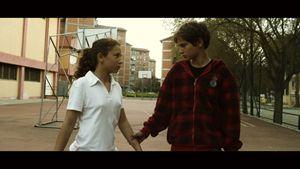 """Munira e Brendon in una scena di """"Tajabone""""."""