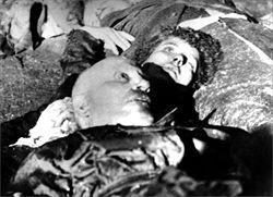I cadaveri di Benito Mussolini e Claretta Petacci
