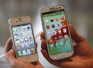 iPhone e galaxy, guerra senza confini (Reuters).