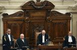 La lettura della sentenza della Corte di Cassazione (Reuters).