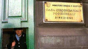 Il carcere di Poggioreale a Napoli (Ansa).
