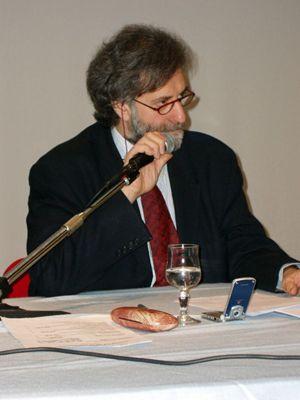 Il sociologo Roberto Cardaci,  esperto di trasformazioni urbane, studioso del disagio provocato dai problemi del lavoro e dalla crescente povertà.