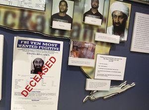 Osama bin Laden sulla bacheca dell'Fbi (Reuters).