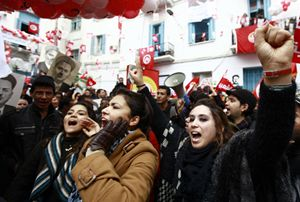 Una manifestazione a Tunisi (Reuters).