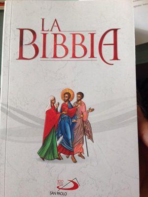 La copertina della Bibbia per la famiglia della San Paolo