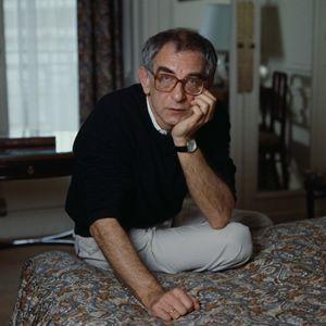 Krzysztof Kieslowski, autore di un geniale Decalogo, per televisione.
