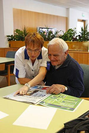 """In questa e nella foto di copertina, esempi di lavori in cui hanno trovato impiego in Trentino alcuni disoccupati """"anziani""""."""