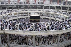 Pellegrini musulmani alla Mecca (Reuters).