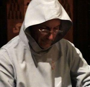 Padre Raffaele Talmelli, benedettino, è esorcista e psichiatra