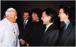 Stefano D'Orazio con gli altri Pooh ricevuti da Giovanni Paolo II