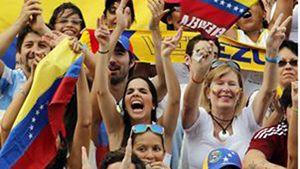 Le proteste di piazza in Venezuela (Reuters)..