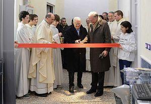 L'inaugurazione con il taglio del nastro del procuratore Caselli