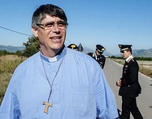 Padre Maurizio Patriciello.