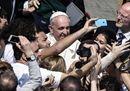 Coronavirus, le immagini della Messa del Papa a porte chiuse e senza fedeli