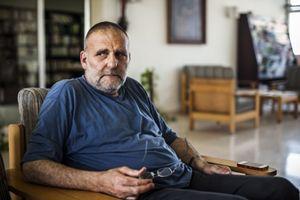 Il gesuita padre Paolo Dall'Oglio, rapito in Siria sul finire del luglio 2013. In alto: il gesuita padre Frans van der Lugt , ucciso a Homs, in Siria, il 7 aprile.