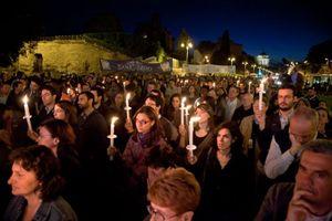 Un momento della fiaccolata organizzata a Roma, al Colosseo, giovedì 15 maggio 2014 per i cristiani perseguitati nel mondo e per tutti coloro che patiscono violenze a causa del loro credo religioso.