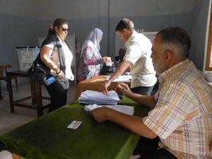 Un seggio femminile al Cairo (foto G. Mastromatteo).