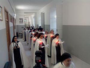 L'ingresso delle suore nel monastero di Santa Teresa di Gesù Bambino, nell'ex seminario vescovile di Squillace.