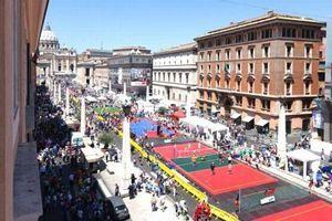 I campi sportivi allestiti sabato 7 giugno in via della Conciliazione, a Roma.