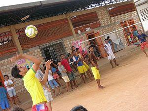 In questa foto e in copertina: i ragazzi del Pro-menor Dom Bosco dei salesiani a Manaus.