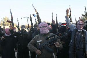 Soldati dello Stato islamico della Siria e del Levante (Isil). Foto Reuters.