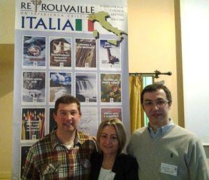 Da sinistra: don Maurizio Del Bue con Giulia e Simone Fatai; il team nazionale di Retrouvaille. ,