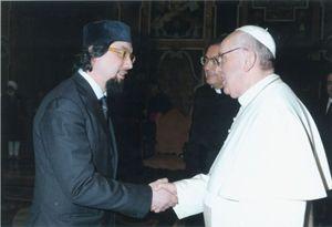 L'imam Pallavicini con papa Francesco.