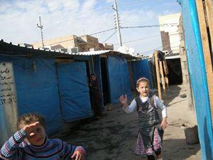 Focsiv fornisce materiale di sostentamento ai profughi. Il campo ospita anche 68 bambini (Foto Terry Dutto - FOCSIV).