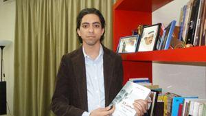 Raif Badawi, il blogger che in Arabia Saudita è stato condannato a 1000 frustate e 10 anni di carcere.