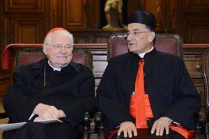 L'arcivescovo di Milano, il cardinale Angelo Scola, con Sua Beatitudine il cardinale Boutros Rai nell'incontro in Duomo