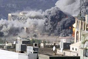 Gli effetti dei bombardamenti sauditi in Yemen.