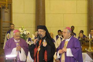 Da sinistra: monsignor Adel Zaki, vicario apostolico d'Alessandria d'Egitto, il patriarca copto cattolico Ibrahim Isaac Sedrak e monsignor Bruno Musarò, nunzio apostolico. Foto di Romina Gobbo.