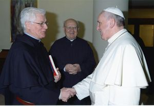Padre Secondin con papa Francesco.