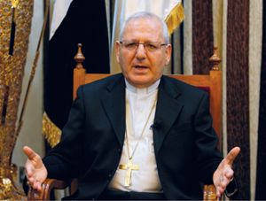 Nato a Zakho (Iraq) nel 1948, il patriarca Sako ha studiato Patrologia orientale  al Pontificio istituto orientale di Roma e Storia alla Sorbona  di Parigi (Reuters).