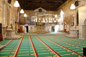 interno della chiesa della Misericordia trasformata in moschea