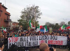 La manifestazione anti-rom organizzata da Casa Pound.