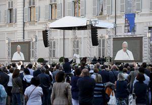 Torino, domenica 21 giugno. Papa Francesco incontra il mondo del lavoro in Piazzetta Reale. Foto Reuters.