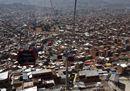 Bolivia8, cabinovia che collega La Paz a El Alto, foto Reuters