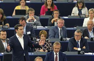 Il premier greco Tsipras al Parlamento europeo (Reuters).