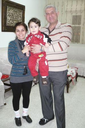 George, sua moglie Rima e il loro figlio Fadi.