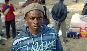 Profughi eritrei. In copertina: i Commissari Onu (ora posti sotto protezione) che hanno redatto il Rapporto sulle violazioni dei diritti umani in Eritrea.