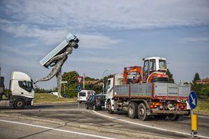Il monumento al camionista a Borgo Panigale (foto di Ugo Zamborlini)