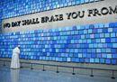 Il Papa a Ground Zero, tra silenzio, preghiere e commozione