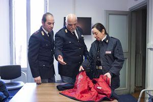 I poliziotti dell'Ispettorato vaticano che hanno soccorso la donna. Foto: Polizia di Stato.