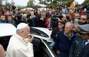 Il Papa ad Amatrice. Foto Agenzia Sir.