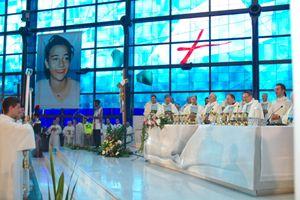 La beatificazione di Chiara Badano al Santuario del Divino Amore nel 2010