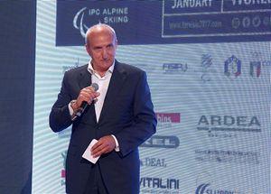 Paolo Tavian, direttore del Comitato organizzativo locale. In copertina: un momento dell Galà di presentazione dei Giochi del prossimo gennaio 2017 (le foto sono di Andrea Carloni/SportXall).