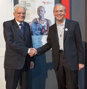 Il presidente Mattarella e don Dante Carraro