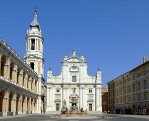 L'esterno della Basilica della Santa Casa di Loreto
